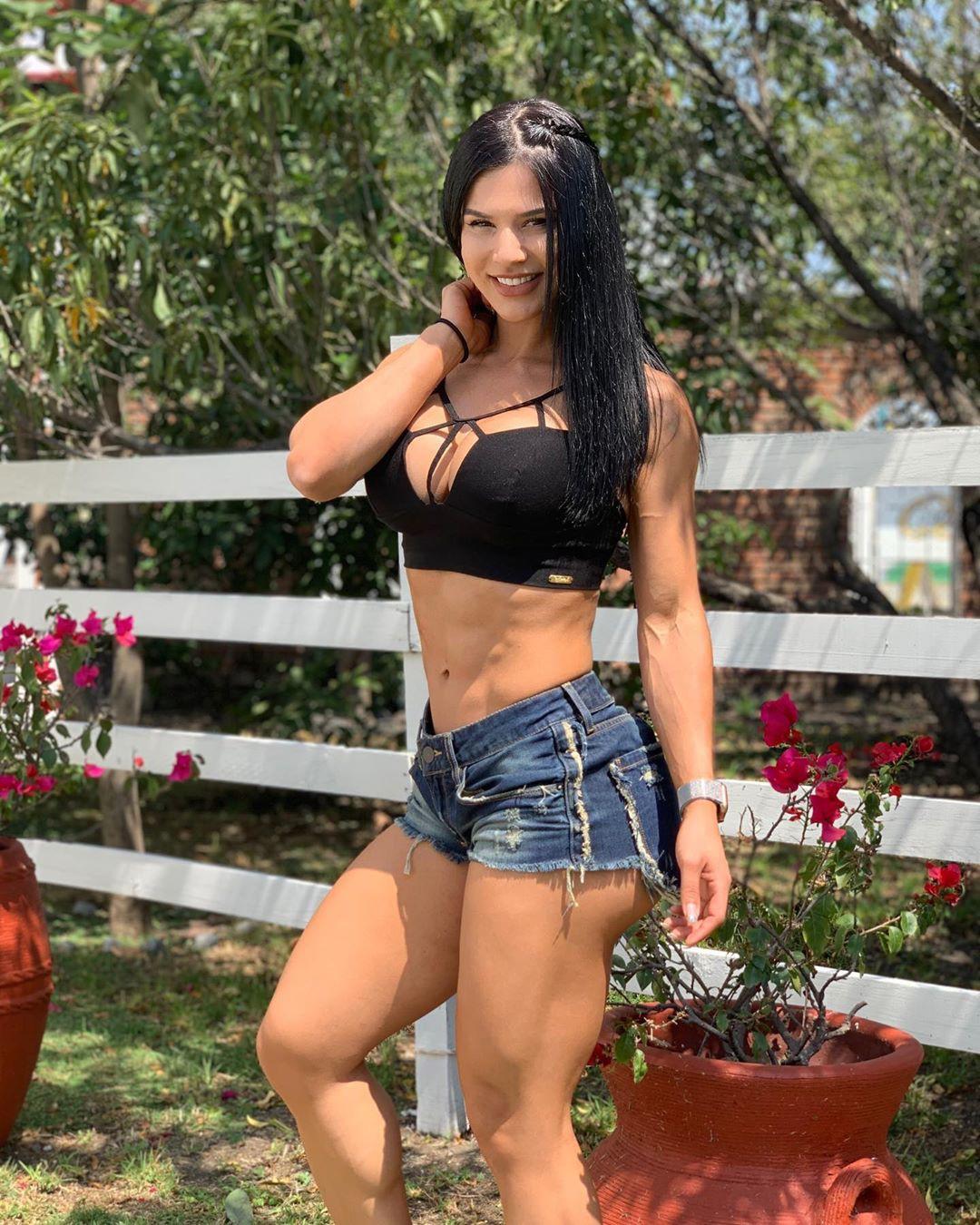Cute Eva Andressa Abs Vieira
