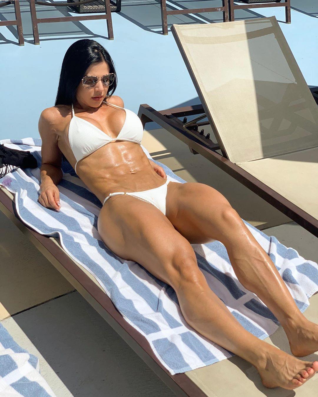 Eva Andressa Physical fitness Abs