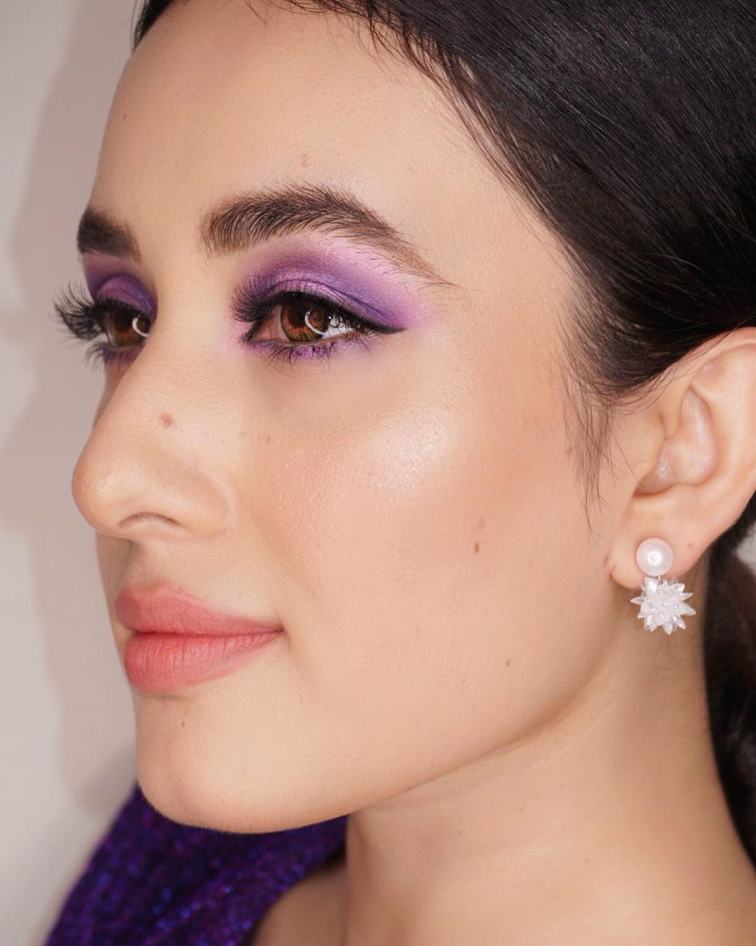 More about eye shadow, Artificial hair integrations