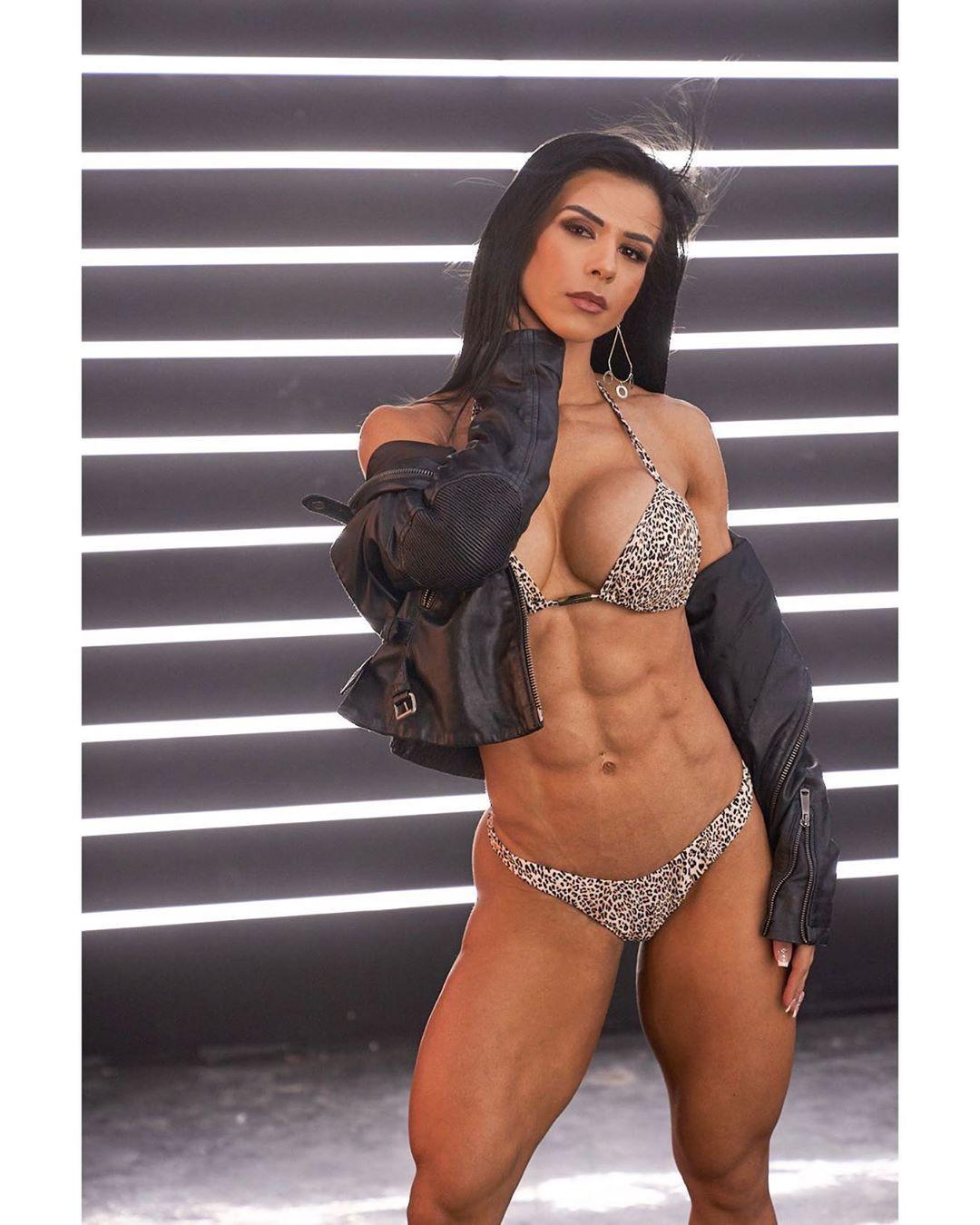 Eva Andressa Abs, Eva Andressa, Sexy bikini
