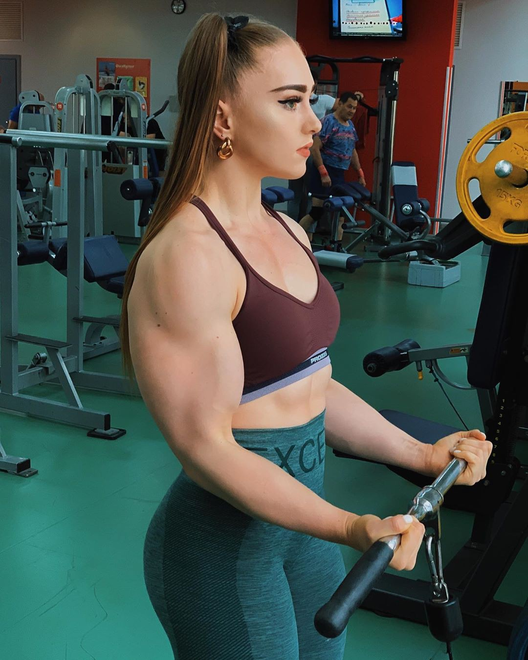 Really valuable Julia Vins, Physical fitness