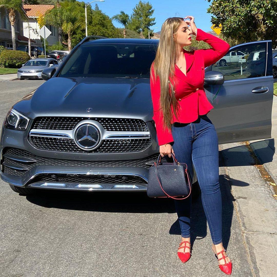 Graciela Montes Model, Sport utility vehicle, Car tires