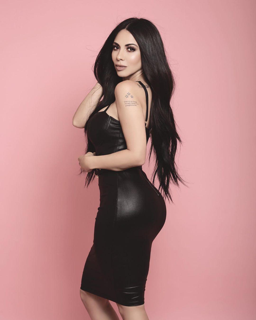 Stay in trend with fashion model, Jimena Sanchez
