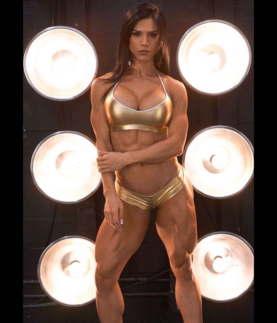 Eva Andressa Abs, Eva Andressa, Physical fitness