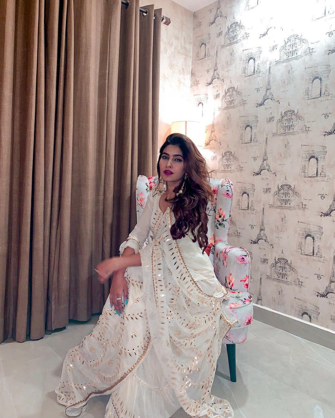 Karishma Sharma Instagram Pictures, Karishma Sharma, Wedding dress