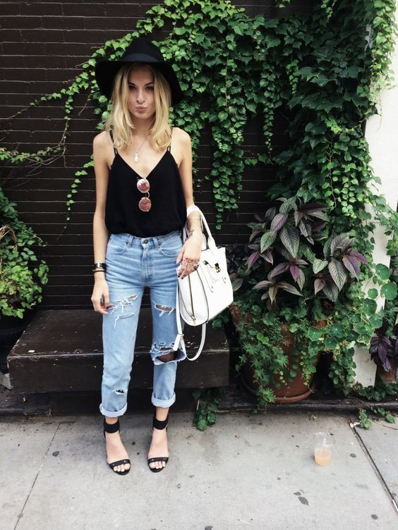 Summer boyfriend jeans outfits, Ripped jeans
