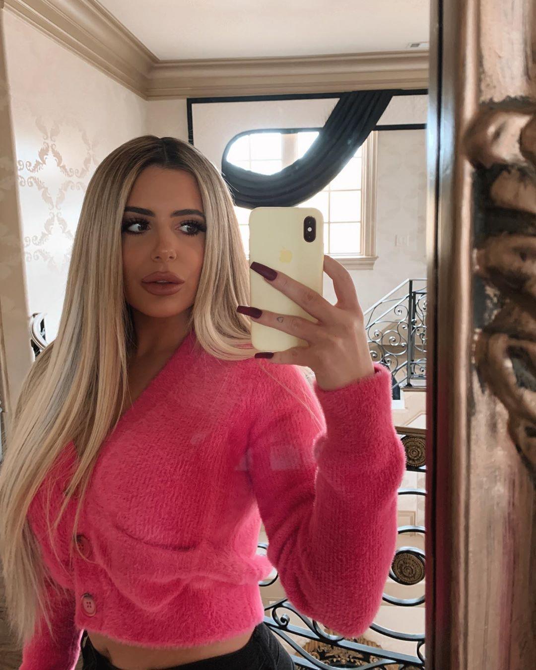 Brielle Biermann Instagram Pictures, Angora wool, Hair coloring