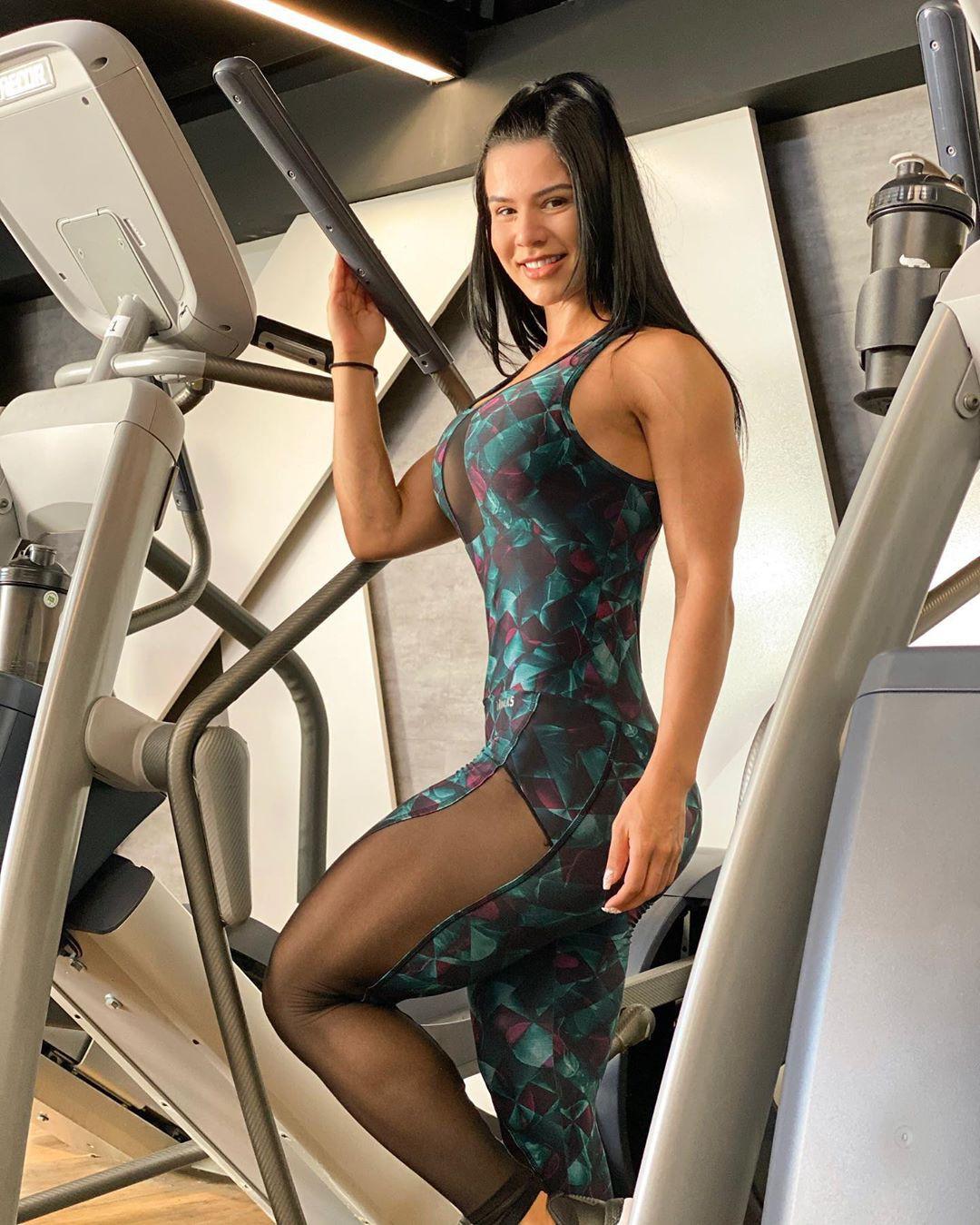Perfect and stylish exercise machine, Eva Andressa