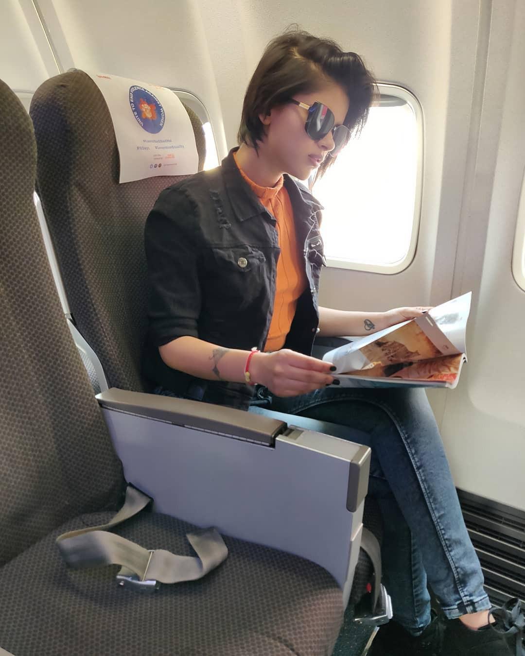 Rhea Insha Instagram, Child safety seat, Head restraint