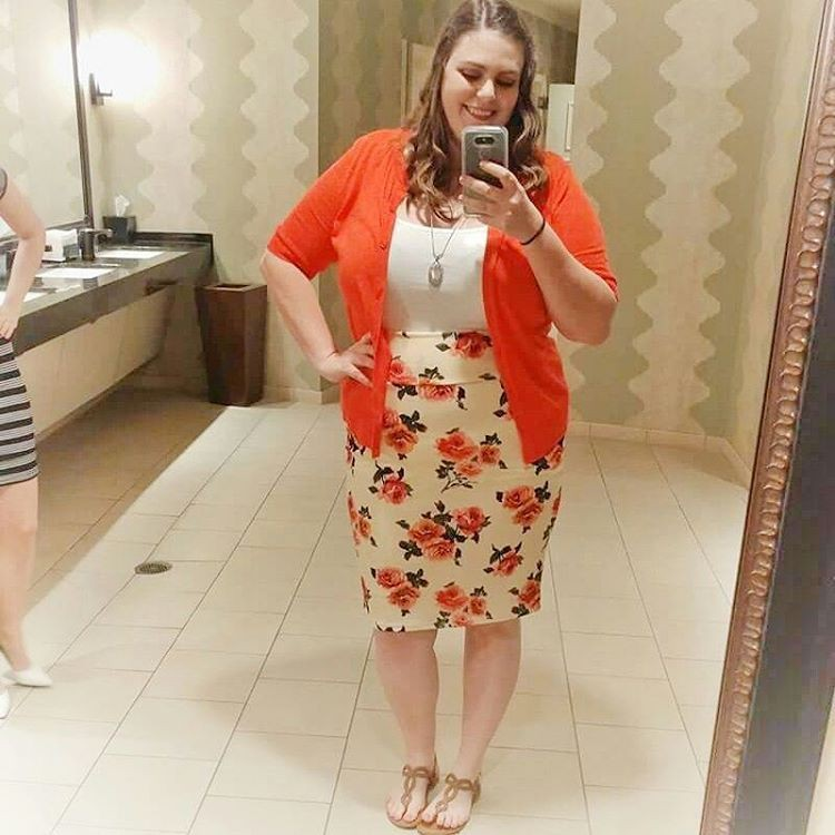 Get this trending lularoe cassie, Pencil skirt