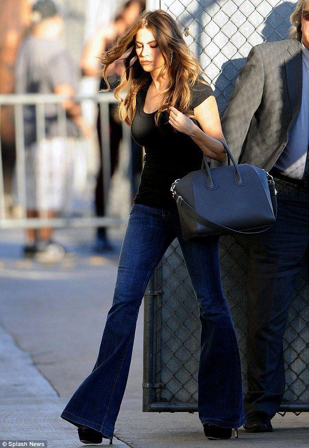 Sofia vergara flared jeans, Slim-fit pants