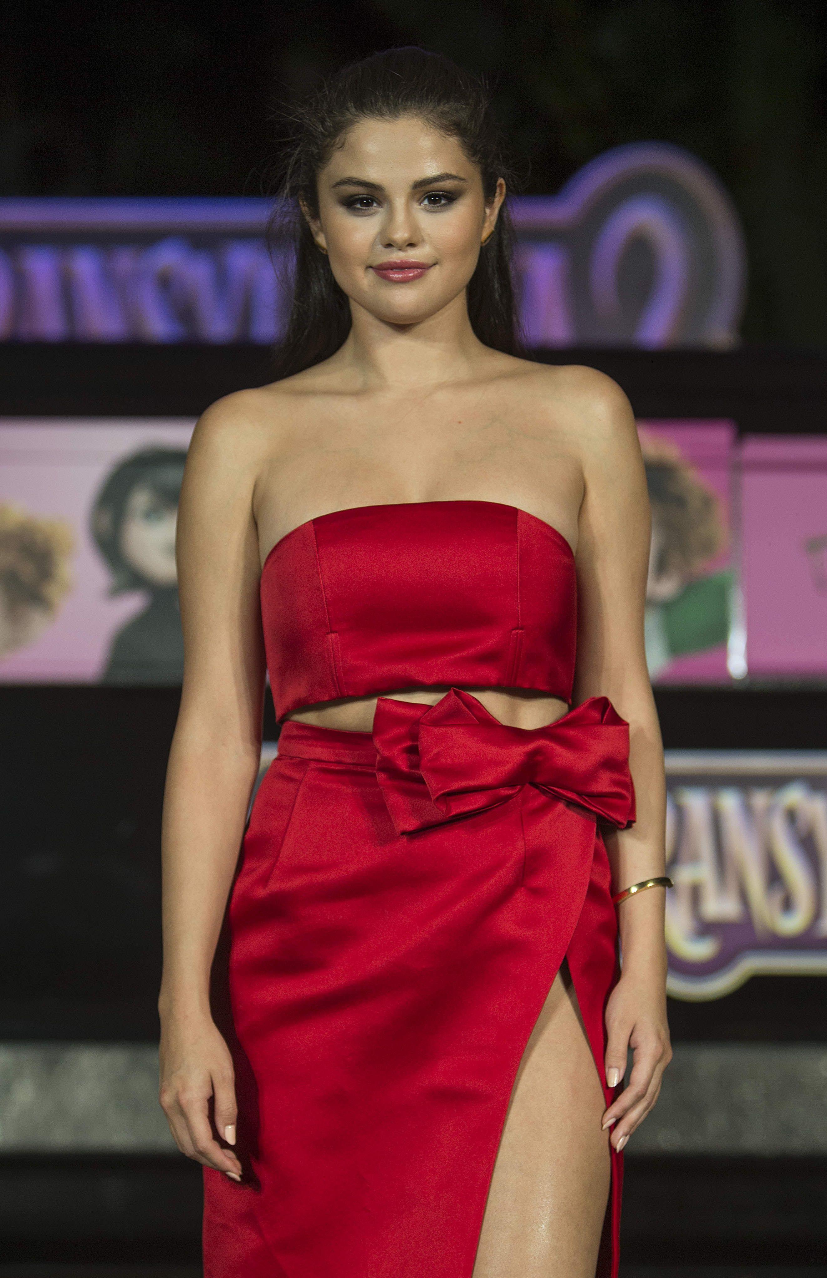 Hot! selena gomez red, Hotel Transylvania Series