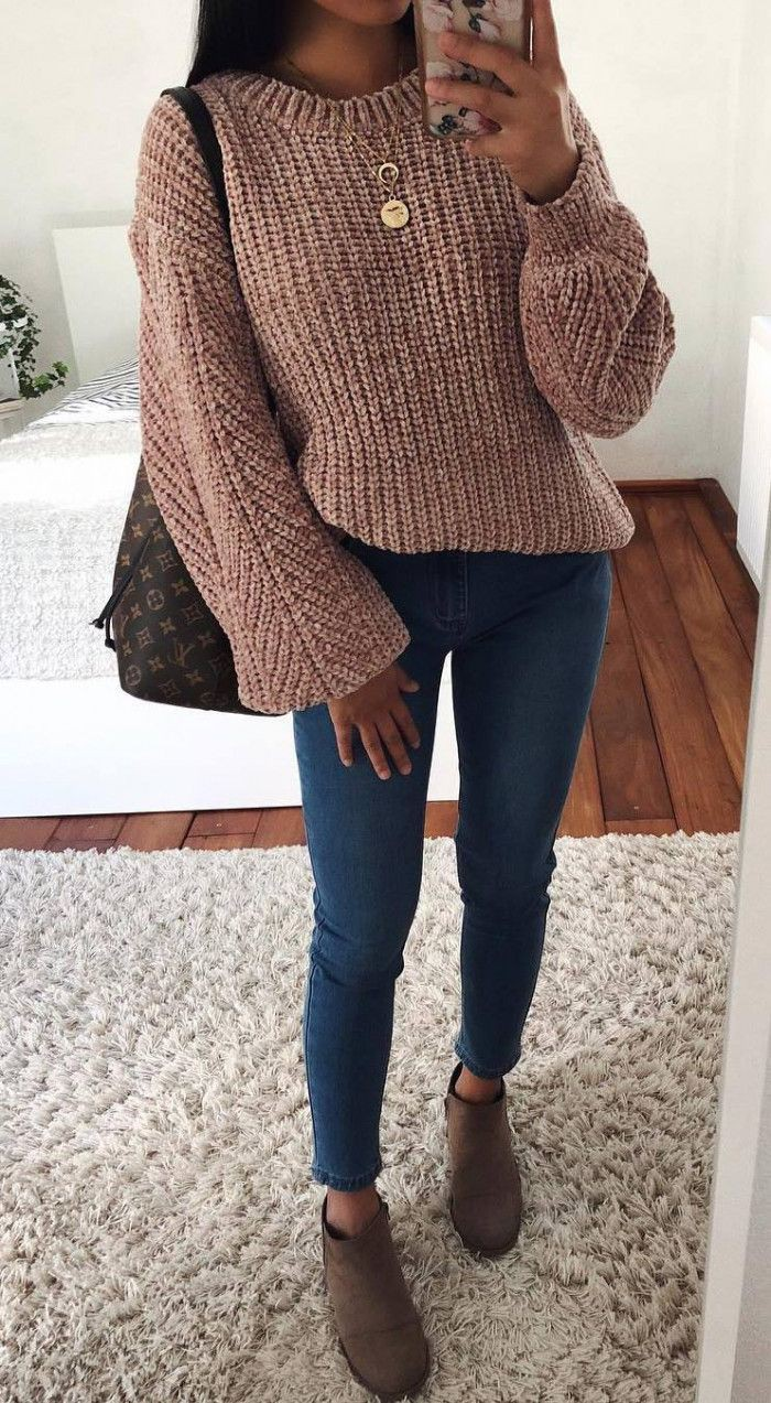 Skinny jeans winter cardigan outfit