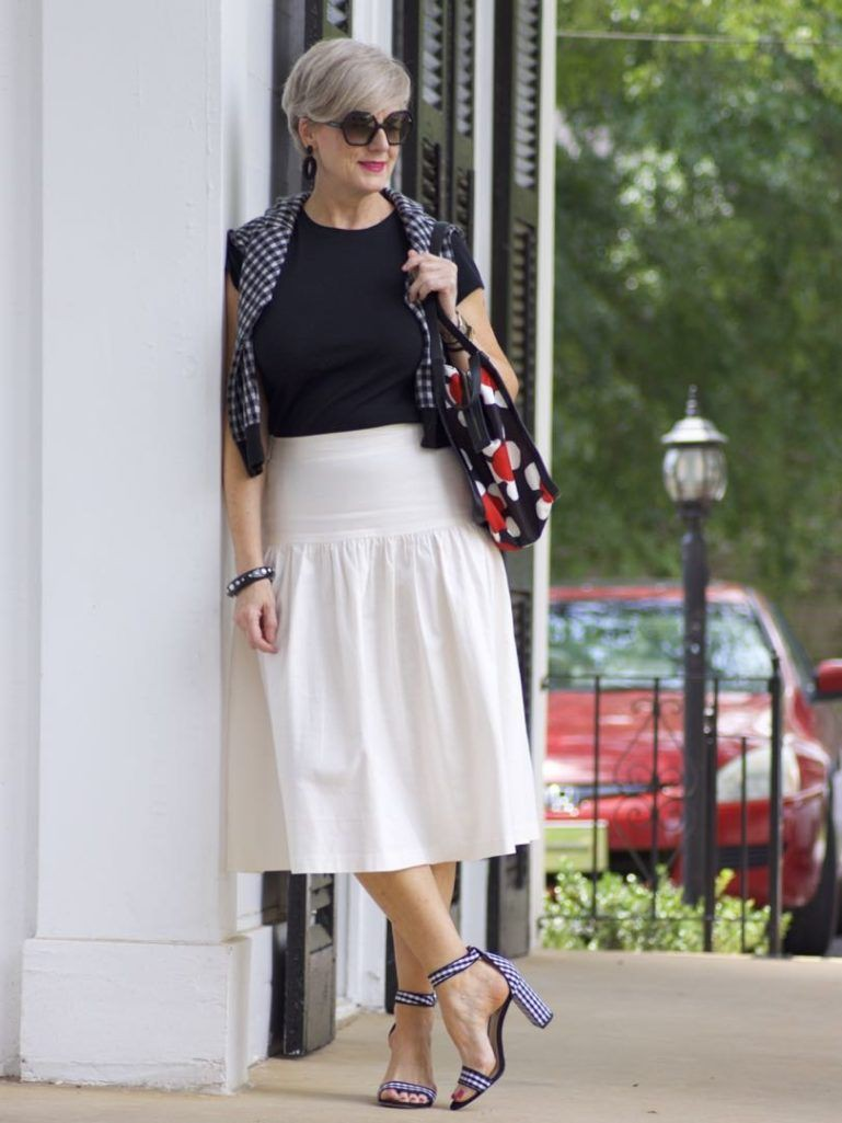 Outfits With White Skirt, Black Pleated Skirt, Polka dot
