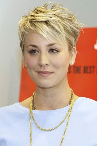 These are totally insane celebs short hair 2018, Human hair color