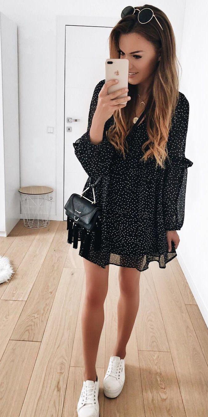 Everyone to check fashion model, Little black dress