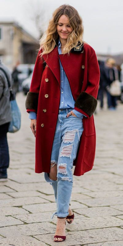 Holiday Outfit Ideas For Women, Denim And Red, Ripped jeans
