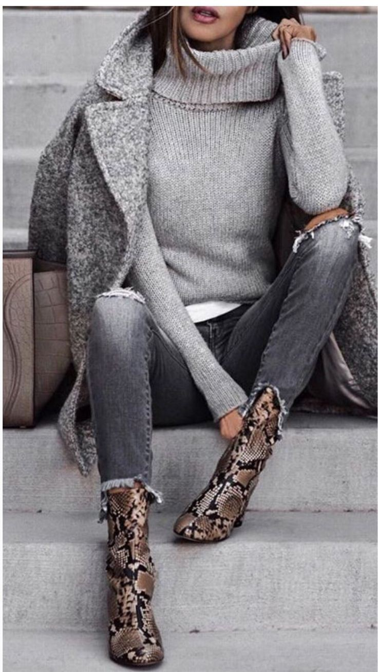 I love this whole outfit but those snake print ankle boots are such gorgeous ♥… | Summer O ...