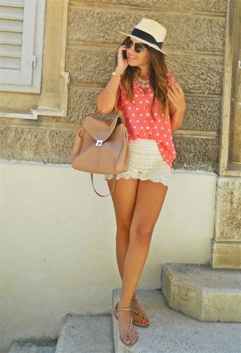 Floral lace shorts outfit, Casual wear