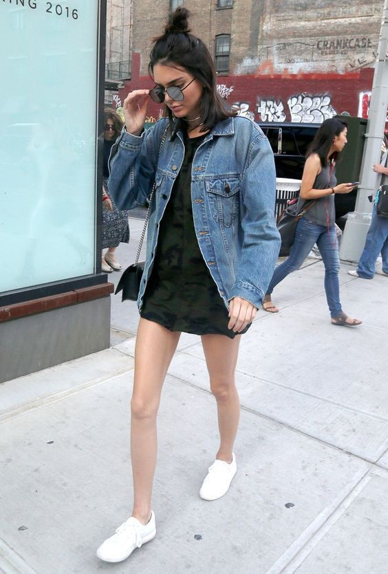 Oversized denim jacket celebrity, Kendall Jenner