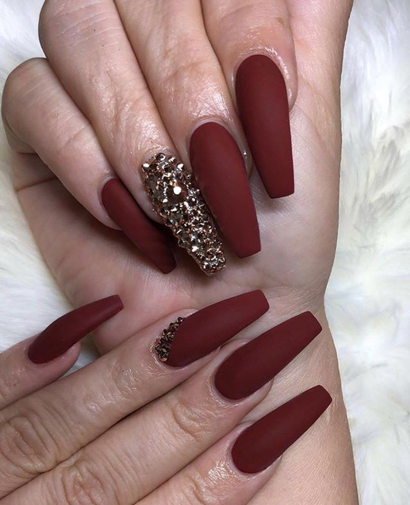 Great ideas for the maroon nails, Nail art