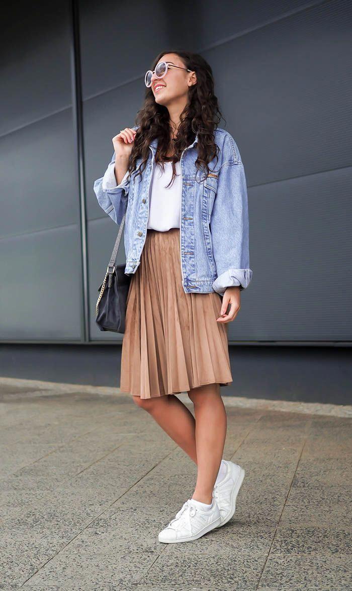 Take at look at fashion model, Jean jacket