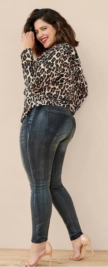 Denise bidot in jeans