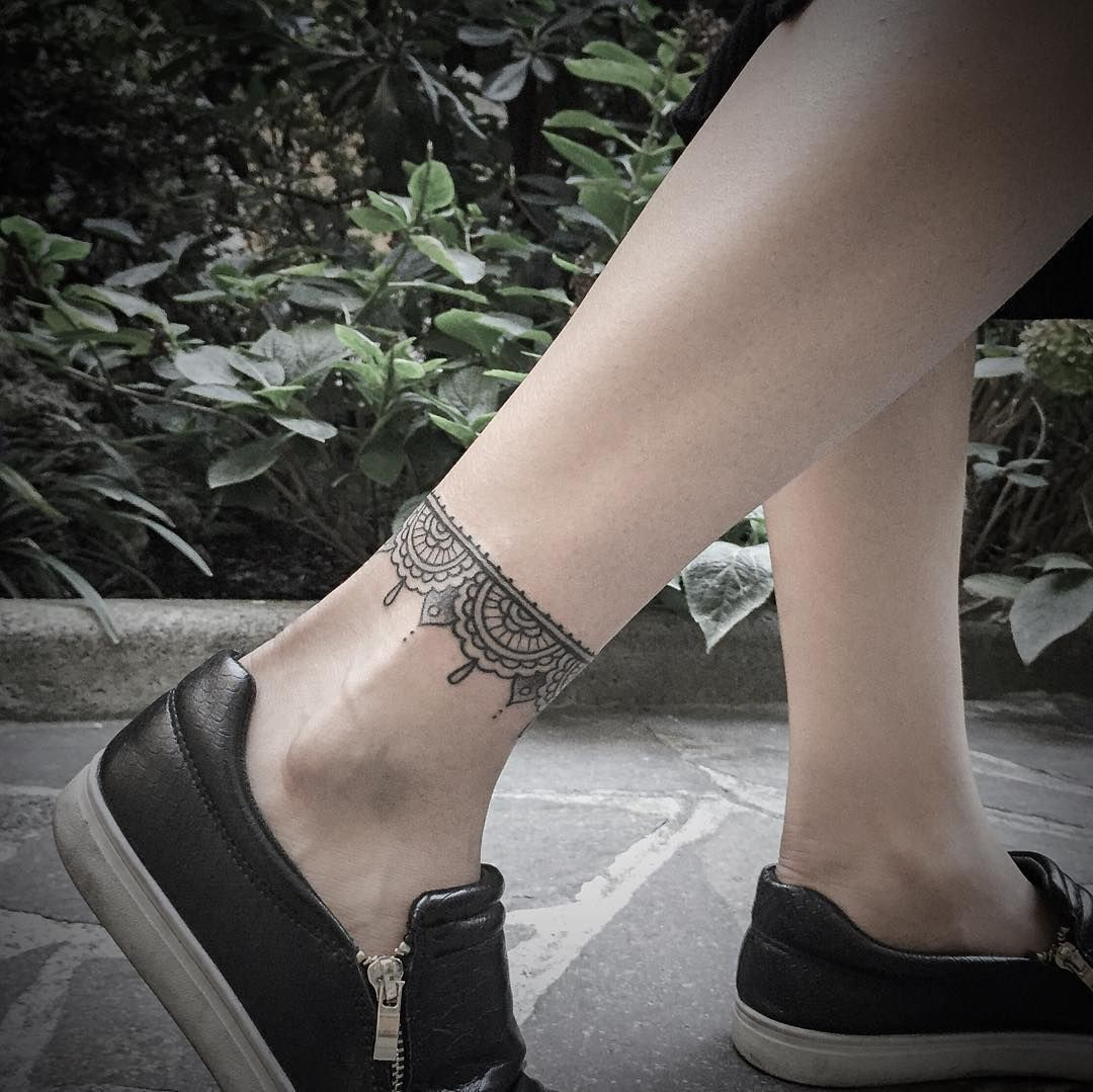 Absolutely stunning ideas for ankle band tattoo, Tattoo Bracelet