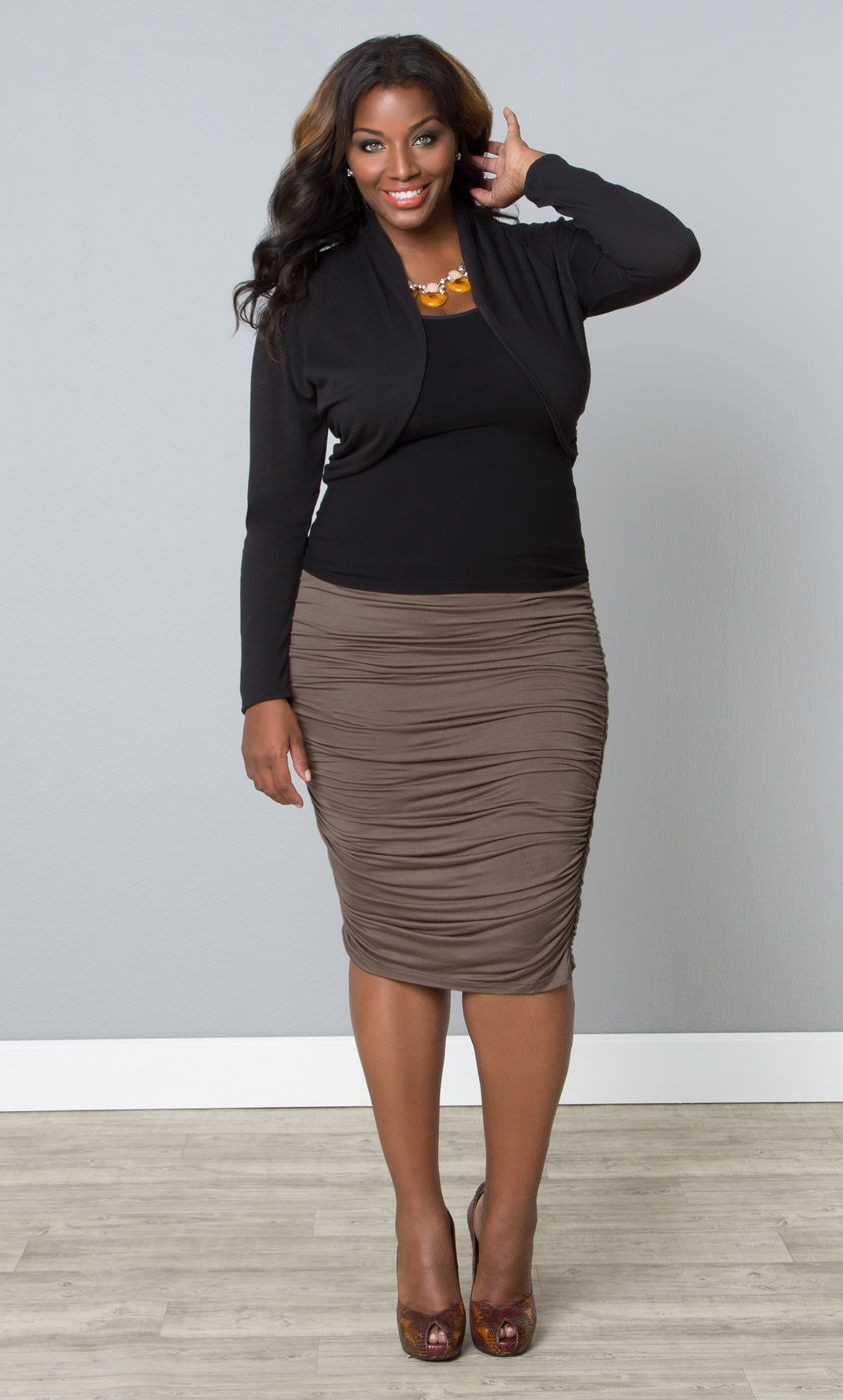 Skirt office outfit for chubby women
