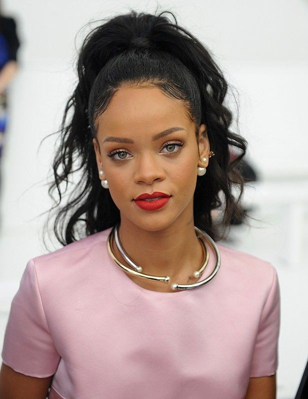 Check these fantastic rihanna face, What Now