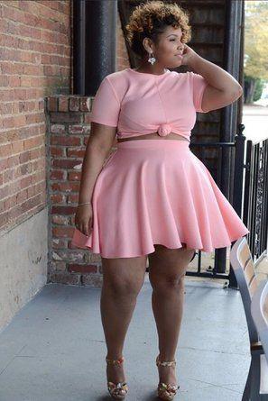 Crop top curvy girl