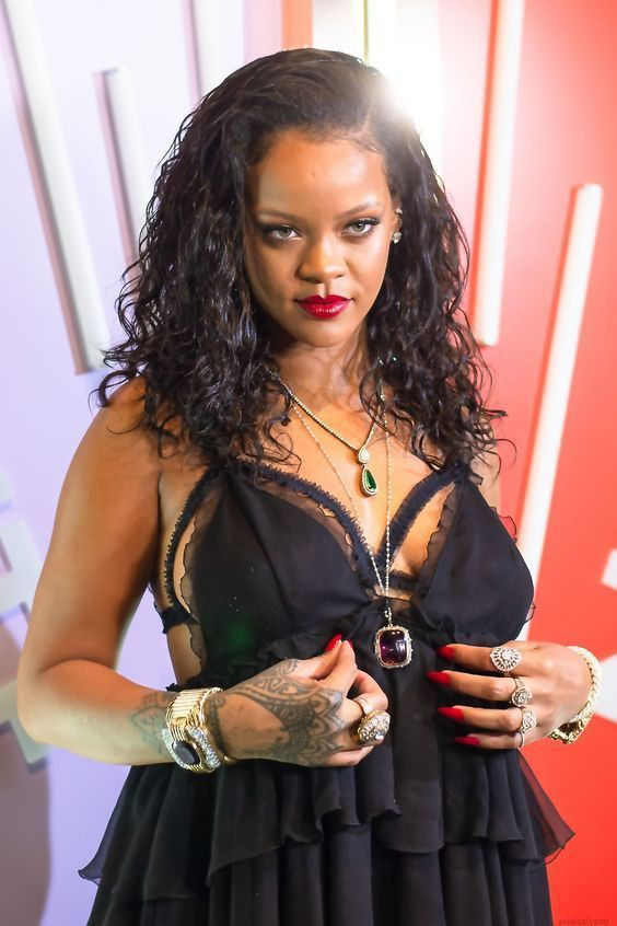 Hottest pictures of Rihanna