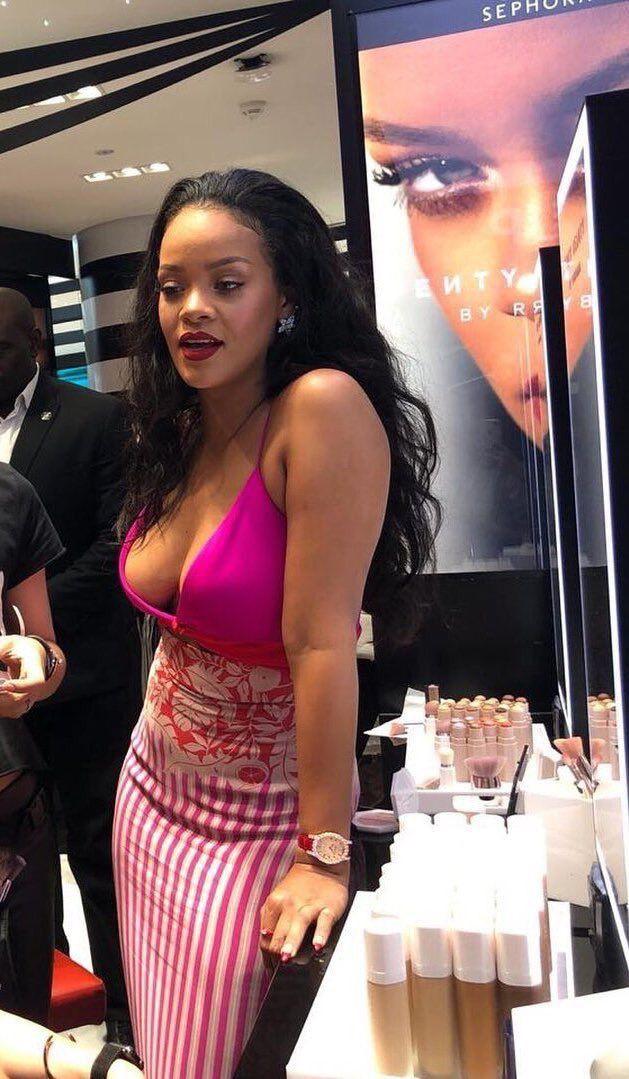 Elegant & stylish rihanna today, Rihanna Navy