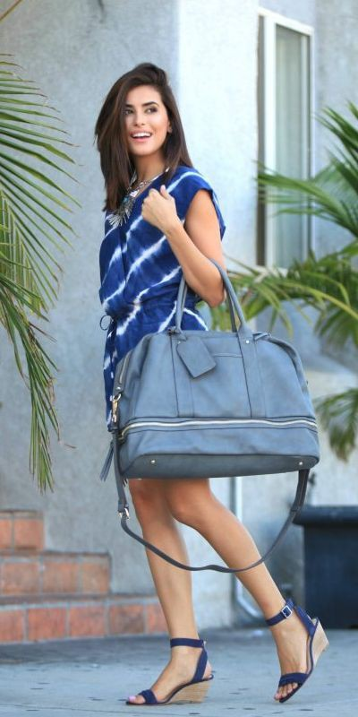 Take a look at the fashion model, Tote bag