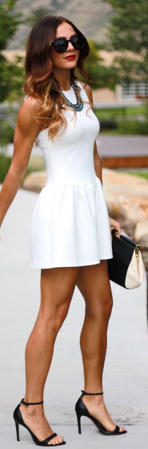 Classy White Party Outfits For Ladies