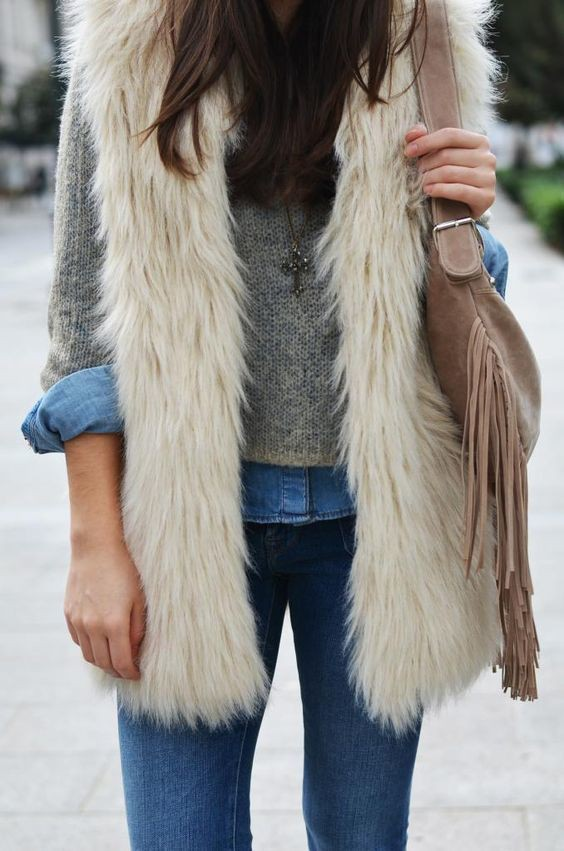 I love this outfit! chaleco piel blanco, Chaleco de pelo