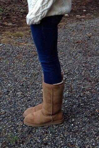 Ugg boots and skinny jeans