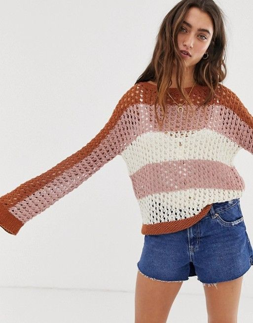 Casual shorts Outfits With Color Block Sweaters
