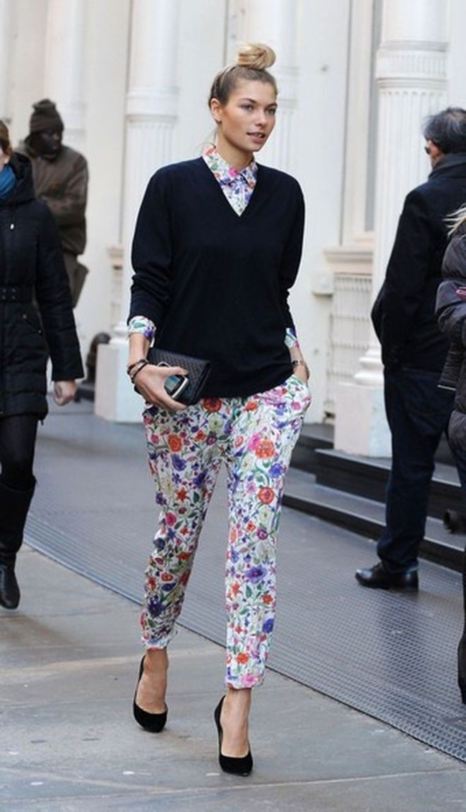 Floral pants street style, Street fashion