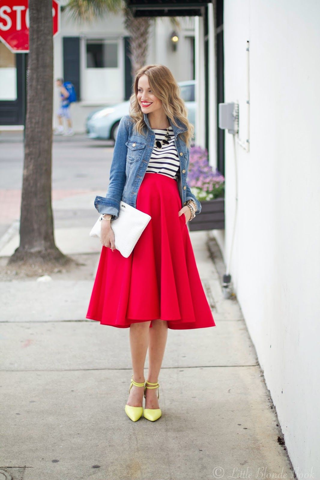 Red Skirt Outfit, Street fashion, Crop top