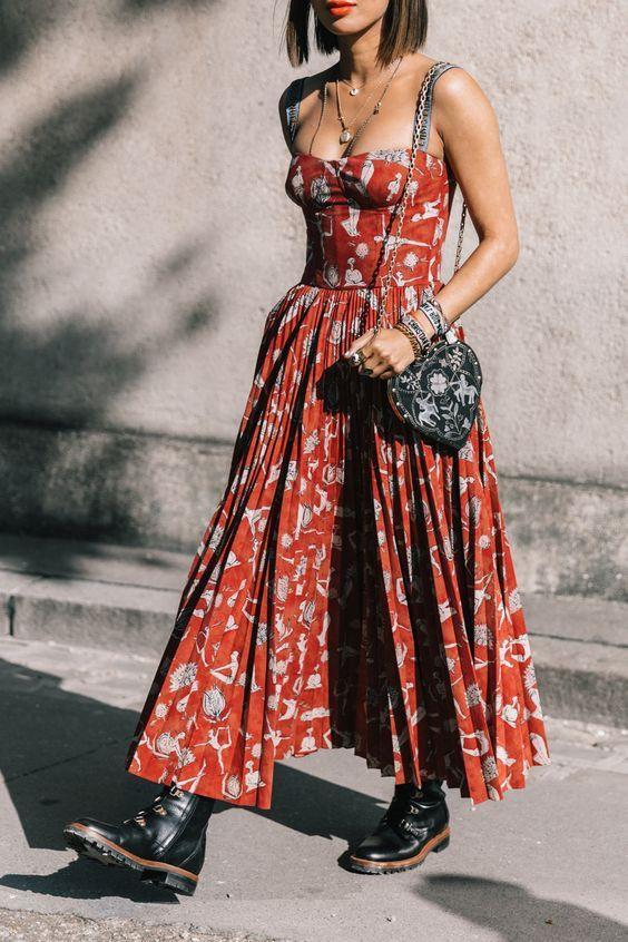 Stoere laarzen onder jurk, Street fashion