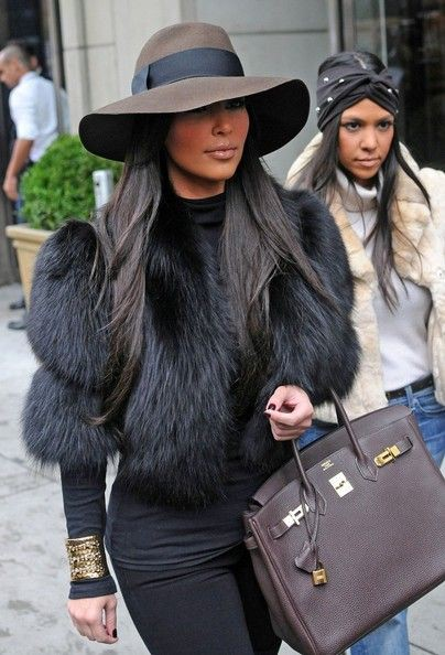 Kim kardashian in fur, Kim Kardashian