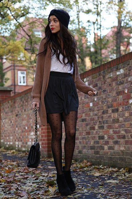 Outfit with black wedge booties