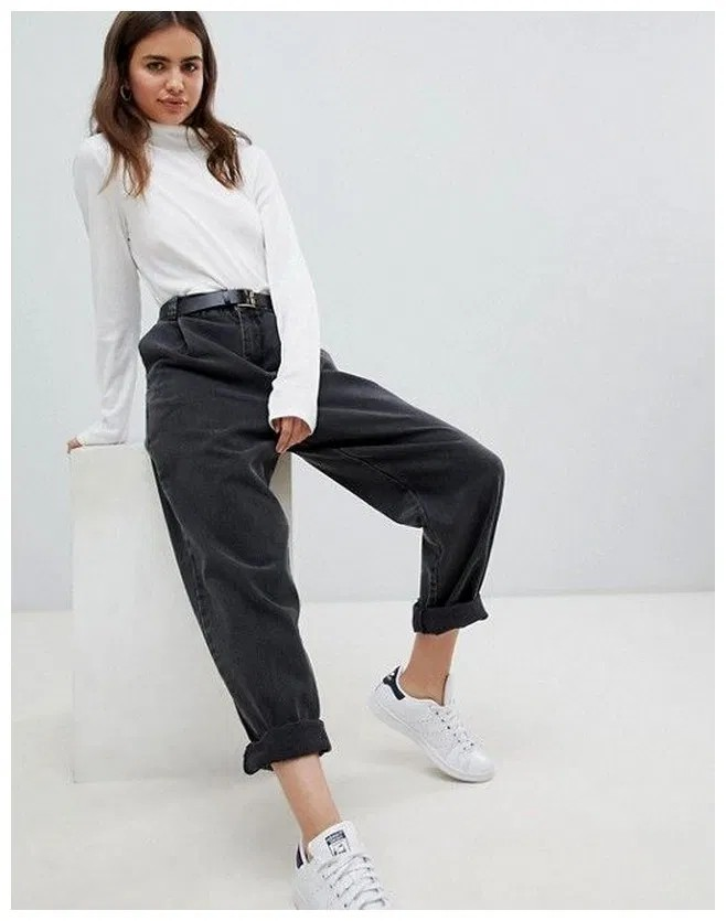 School Outfits Ideas, Mom jeans, Crew neck