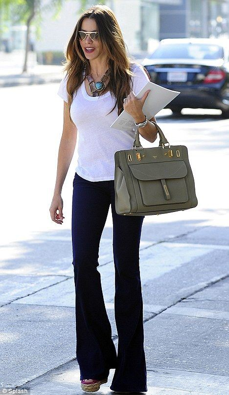 Outfits With Bootcut Jeans, Sofía Vergara, Rag & Bone