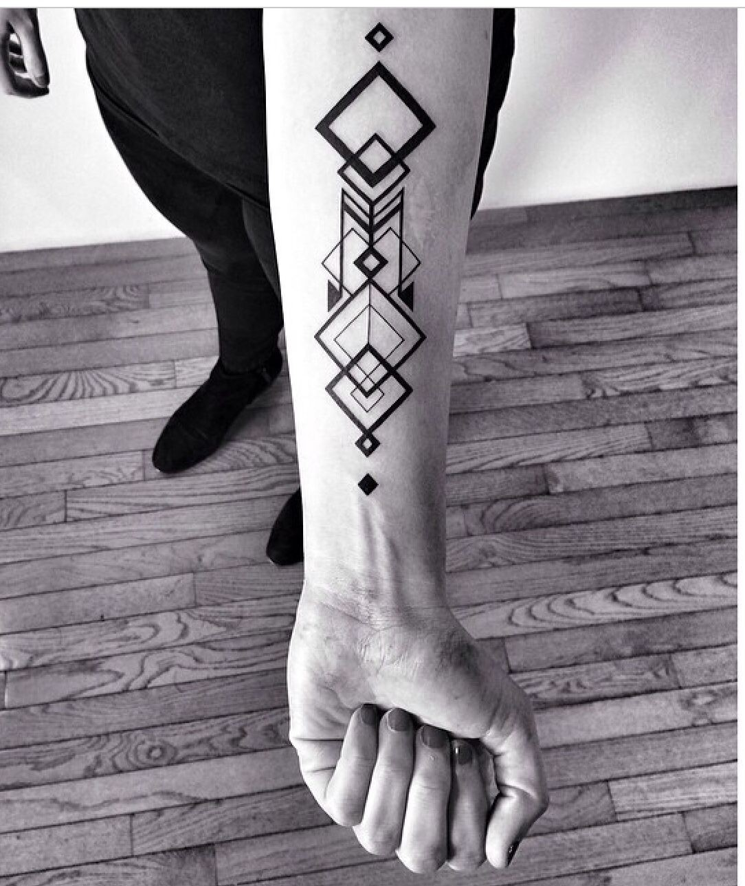 Henna geometric forearm designs, Sleeve tattoo