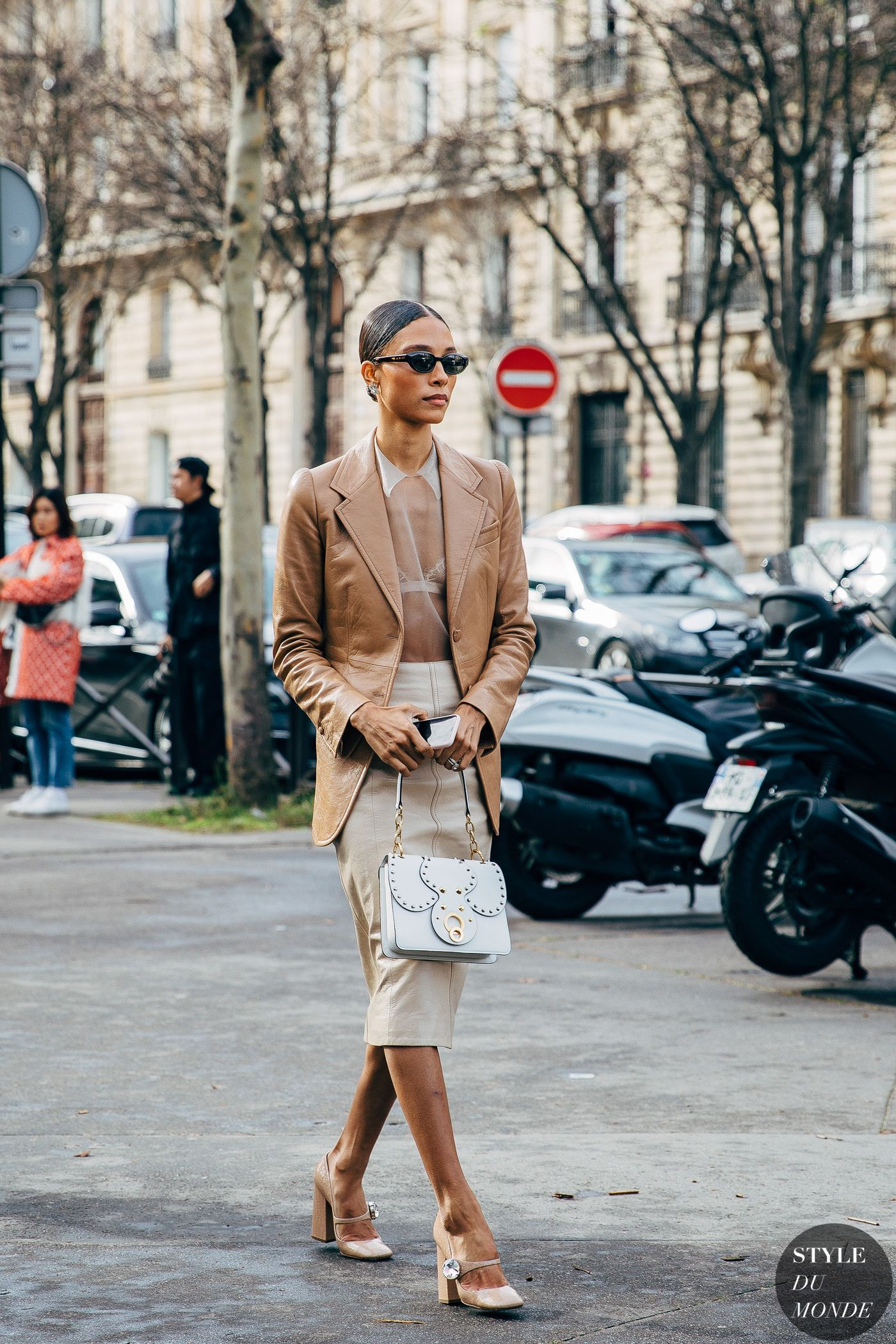 Street Style Brown Pants Outfit
