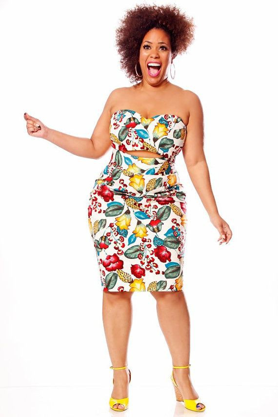 Outfits With Yellow Shoes, High Waist Skirt, Plus-size model