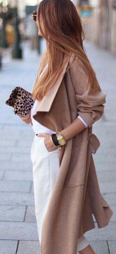 Abbinamento color cammello e bianco