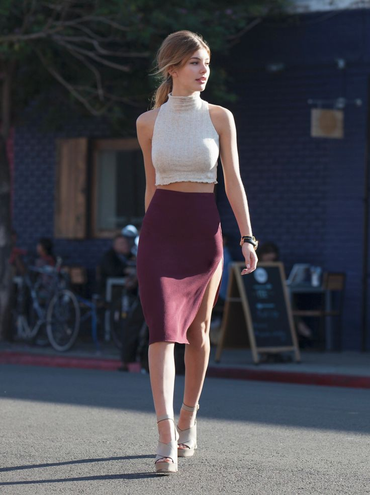 Burgundy pencil skirt outfit